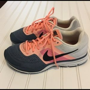 NIKE Pegasus 30 Peach/Gray Running Shoes 10
